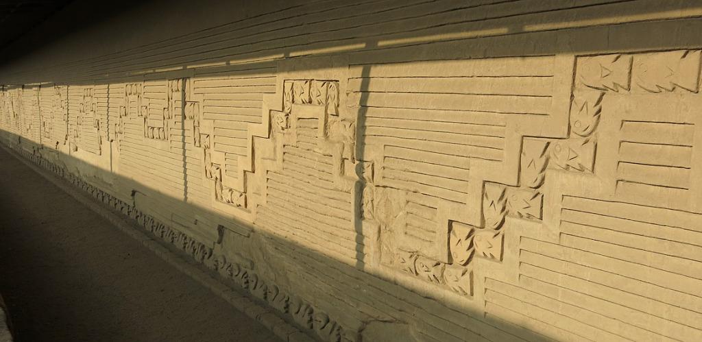 In so gut wie allen Mauern sieht man die Verbundenheit der ehemaligen Bewohner mit dem Meer.