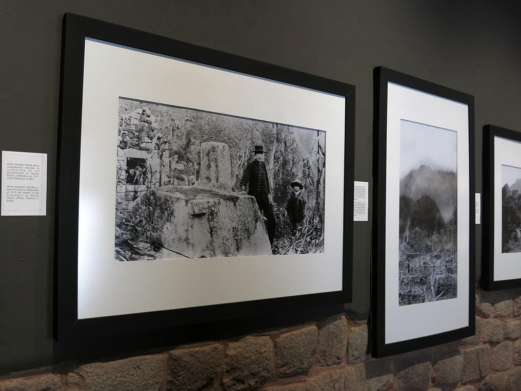 Hiram Bingham und ein eniheimischer Junge der Ihn zu den Ruinen führte